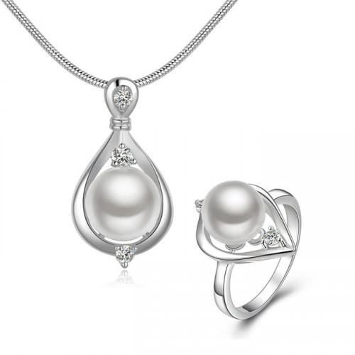 Gyönyörű ezüst nyaklánc és gyűrű szett gyöngy medállal bdbb357c6d
