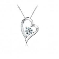 Ezüst nyaklánc szív alakú kristályköves medállal