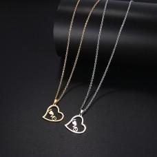 Divat nyaklánc szív medálban LOVE felirattal