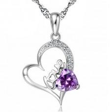 Ezüst nyaklánc szív medállal és kristálykővel